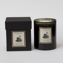 3 Wick Candle Swan Lake